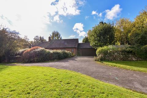 3 bedroom detached bungalow for sale - Upper Ellastone, Ellastone