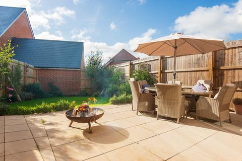 3 bedroom semi-detached house for sale - Bluebell Place, , Whitchurch, RG28 7FQ