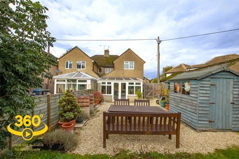 4 bedroom semi-detached house for sale - Schofield Avenue, Witney, OX28