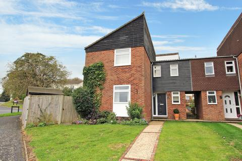 3 bedroom semi-detached house for sale - Grebe Close, ALTON, Hampshire