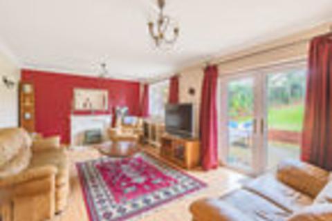 4 bedroom detached bungalow to rent - Lymington Bottom Road, Medstead