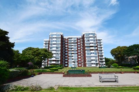 2 bedroom flat for sale - Hinton Wood, 17 Grove Road, East Cliff, Bournemouth, BH1
