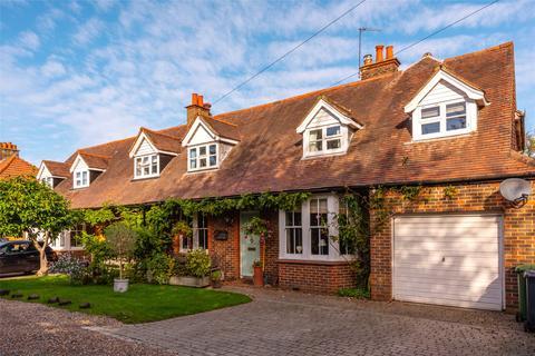 4 bedroom semi-detached house for sale - The Mount, Lower Kingswood, Tadworth, Surrey, KT20