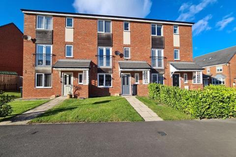 4 bedroom townhouse for sale - Harrington Way, Seaton Vale, Ashington