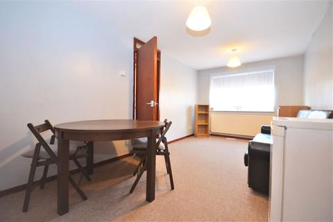 2 bedroom flat to rent - Wilkinson Way, Chiswick W4 5XL