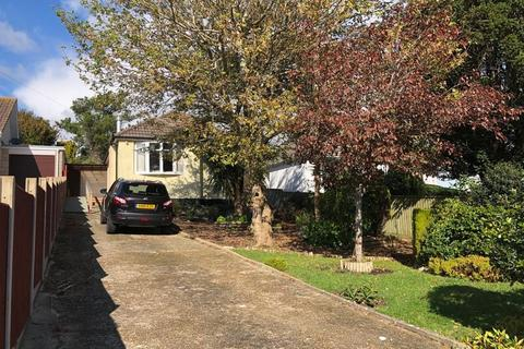 2 bedroom detached bungalow for sale - Mead Road, Weymouth