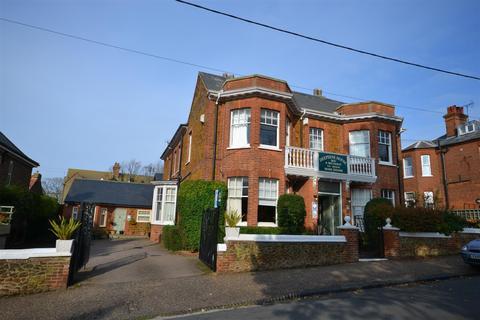 6 bedroom detached house for sale - Avenue Road, Hunstanton