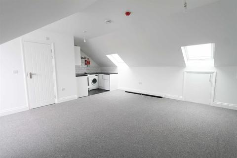 Studio to rent - Westmount Road, Eltham