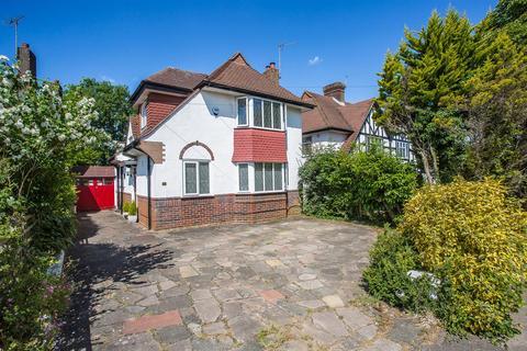3 bedroom detached house for sale - Merland Rise, Epsom