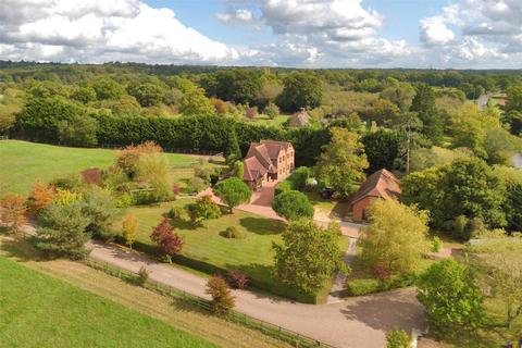 4 bedroom equestrian property for sale - Cowfold Road, Bolney, Haywards Heath, West Sussex, RH17