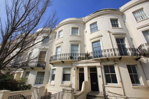 Studio to rent - Lansdowne Place, Hove
