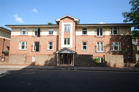 2 bedroom flat to rent - Molineux Place, Boltro Road, Haywards Heath