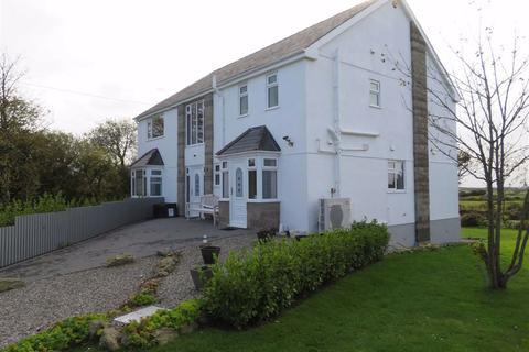 5 bedroom detached house - Llanddona, Anglesey