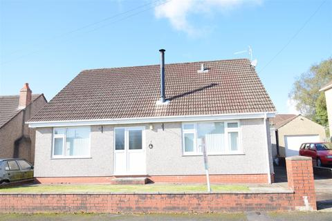 4 bedroom detached bungalow for sale - Lansbury Close, Caerphilly