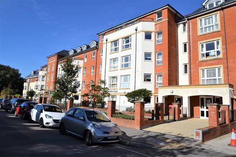 1 bedroom retirement property - Jevington Gardens, Lower Meads, Eastbourne