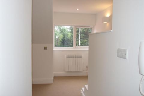 1 bedroom apartment to rent - Flat 61Tower RoadTadworthSurrey