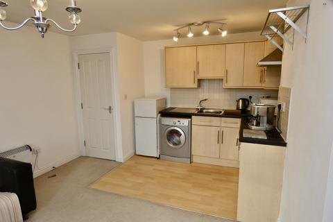 2 bedroom flat to rent - Bevin Court, Crediton, EX17