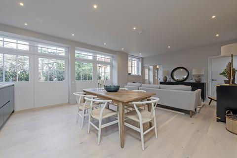 3 bedroom house for sale - The Coach House, Caley House, Leopold Road, Wimbledon SW19