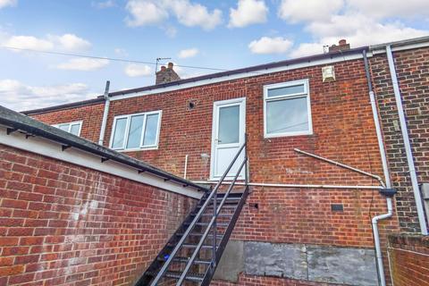 2 bedroom flat to rent - Southwick Road, Southwick, Sunderland, Tyne and Wear, SR5 2AG