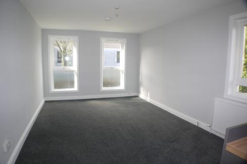 3 bedroom flat to rent - Glen Isla Road, Kirkcaldy, Fife, KY2