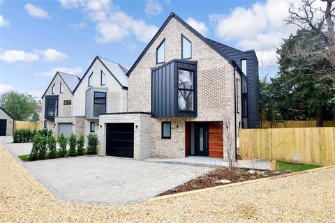 4 bedroom detached house for sale - Lehmann Oaks, Pembroke Road, Pound Hill, Crawley, West Sussex