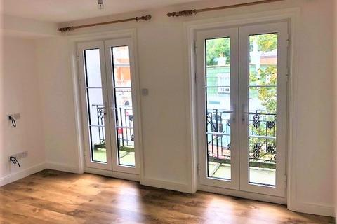 2 bedroom apartment to rent - Beautifully-designed apartment in the High Street