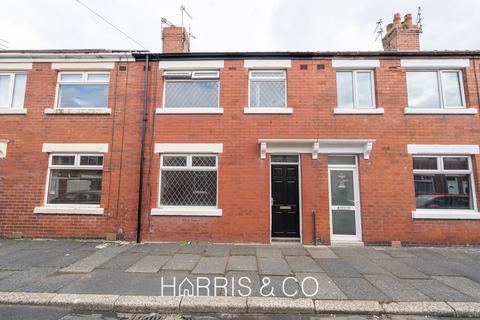 3 bedroom terraced house to rent - Deepdale Road, Fleetwood, Lancashire, FY7