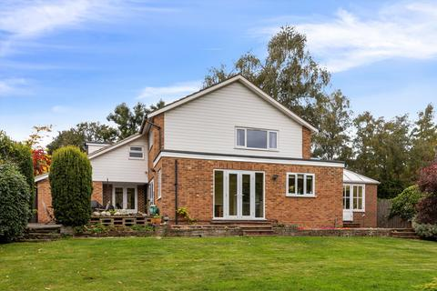 5 bedroom detached house for sale - The Ridings, Cobham, Surrey, KT11