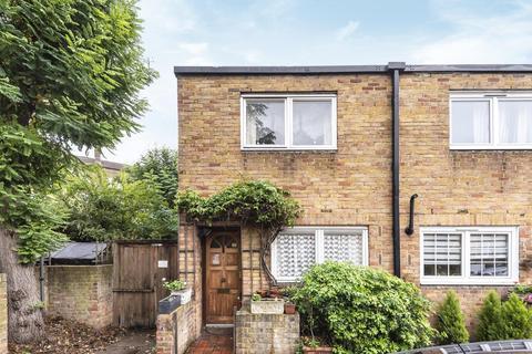 2 bedroom end of terrace house for sale - Usk Road, Battersea