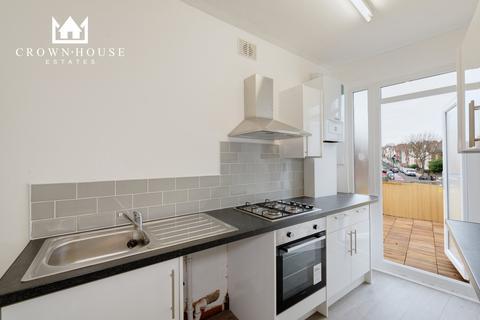2 bedroom flat to rent - Weston Park, London, N8