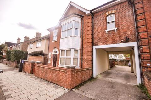 4 bedroom house to rent - Spenser Road