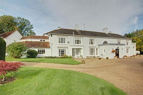 2 bedroom flat - Sheering Road, Harlow, Essex