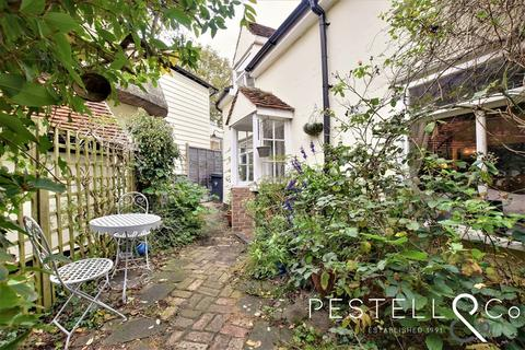 3 bedroom semi-detached house for sale - The Downs, Dunmow