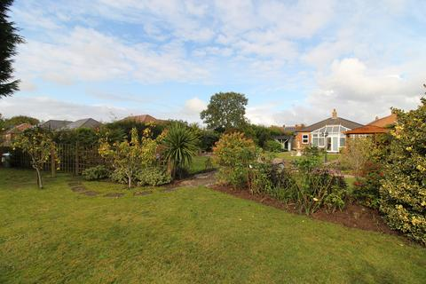 3 bedroom detached bungalow for sale - Heynings Close, Knaith Park