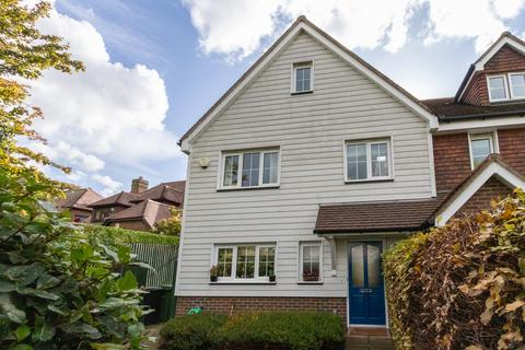 4 bedroom semi-detached house for sale - Small Modern Development in Flimwell