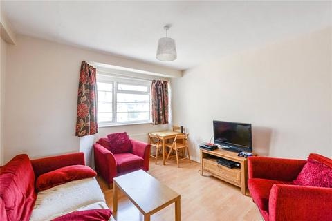 3 bedroom flat share to rent - Holmbury Court, Upper Tooting Road, London, SW17
