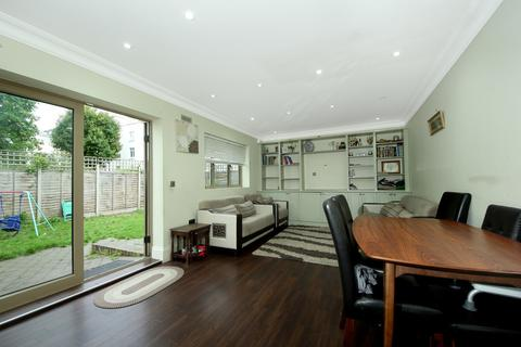 4 bedroom detached house to rent - Askew Crescent, W12