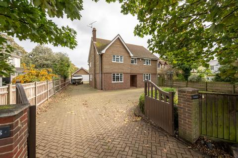 4 bedroom detached house for sale - Bradwell-on-sea