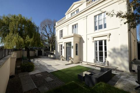 6 bedroom semi-detached house for sale - 16 Warwick Avenue, Little Venice, London, W2