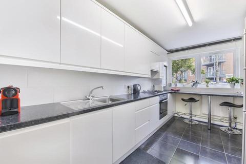 2 bedroom semi-detached house to rent - Wynter Street, London SW11