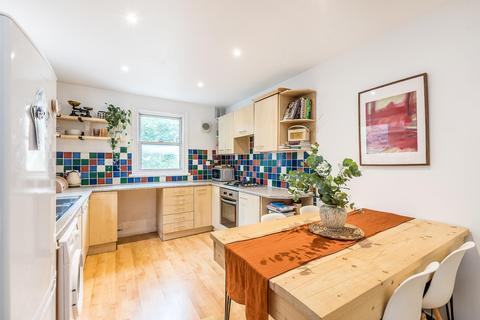 2 bedroom flat for sale - Gipsy Road, London