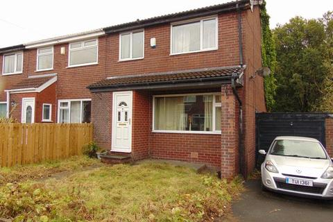 3 bedroom townhouse for sale - 55 Medlock Way, Lees, Oldham