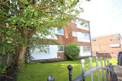 1 bedroom flat for sale - Northenden Road, Sale, M33