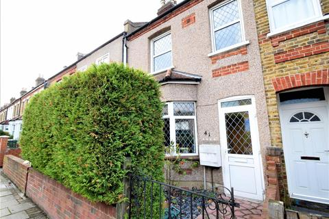 3 bedroom terraced house - Addison Road, Bromley