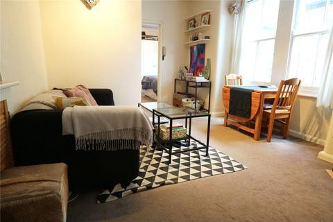 1 bedroom flat - Garratt Terrace, London, SW17