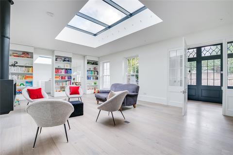 4 bedroom detached bungalow for sale - Wandle Road, Wandsworth, London, SW17