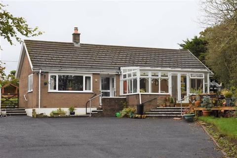 3 bedroom detached bungalow for sale - BRYNGWYN, Carmarthenshire