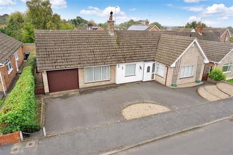 2 bedroom detached bungalow for sale - Linwal Avenue, Houghton On The Hill, Leicestershire