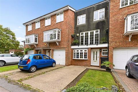 4 bedroom townhouse for sale - The Green, Tadworth, Surrey