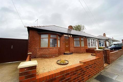 2 bedroom semi-detached bungalow for sale - Harrison Road, Howdon, Wallsend, NE28